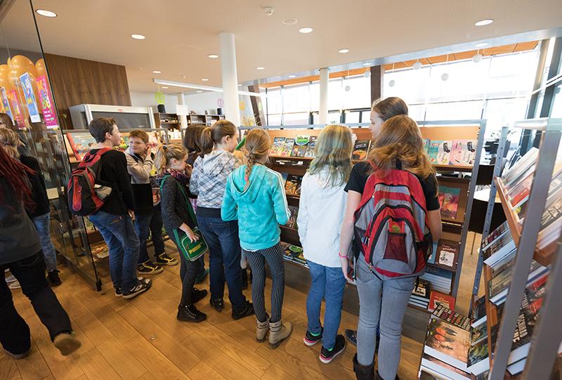 im Foyer Museum Niederösterreich © NÖ Museum Betriebs GmbH, Foto: Daniel Hinterramskogler